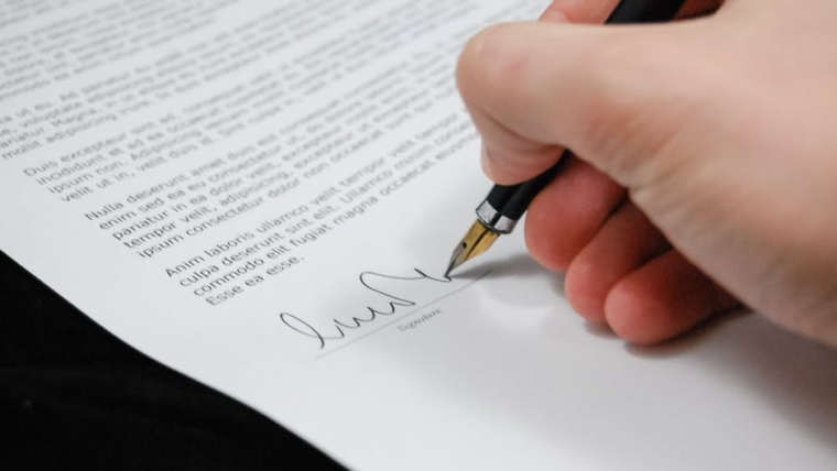 5 Things to Know Before Hiring Legal Document Translation Services